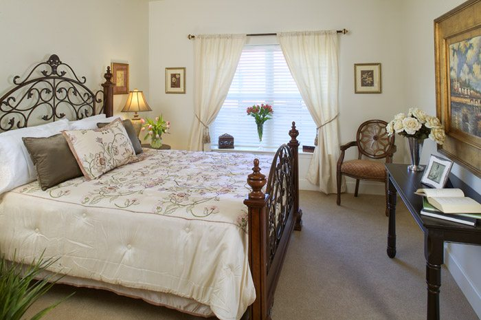 Choose from cozy studios to spacious one-, two- and three-bedroom apartments.